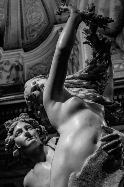 Estatua de Apolo y Dafne