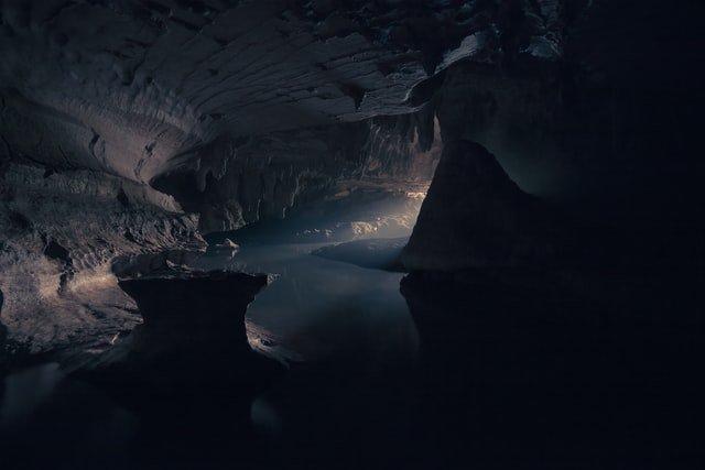 Amaterasu y la cueva de roca mitología japonesa